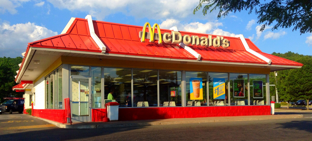 McDonald's replaces employees by machines in the US